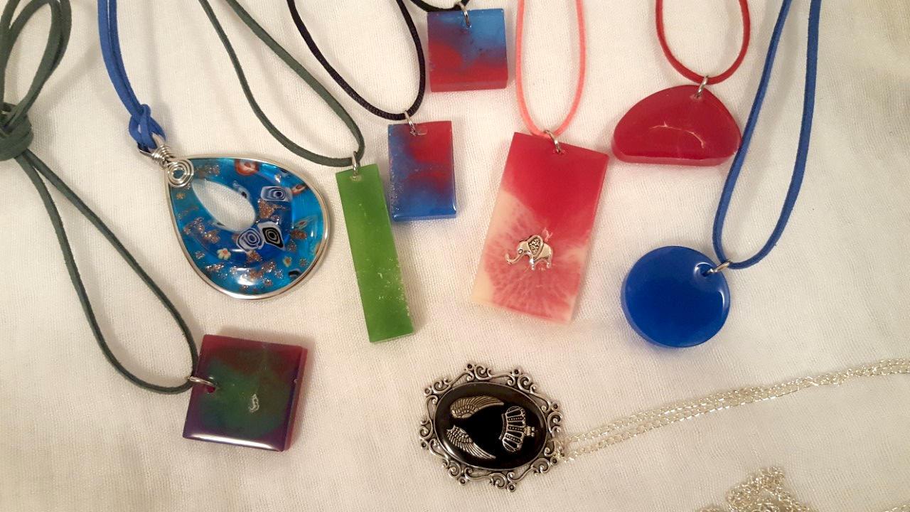 Raznobojne ogrlice