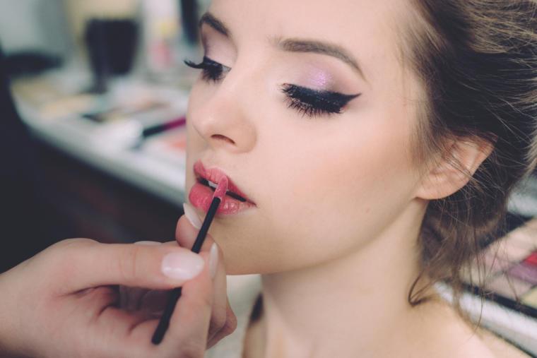 šminkanje djevojke